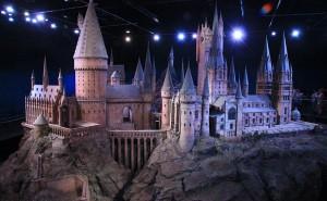 800px-Hogwarts_model_studio_tour